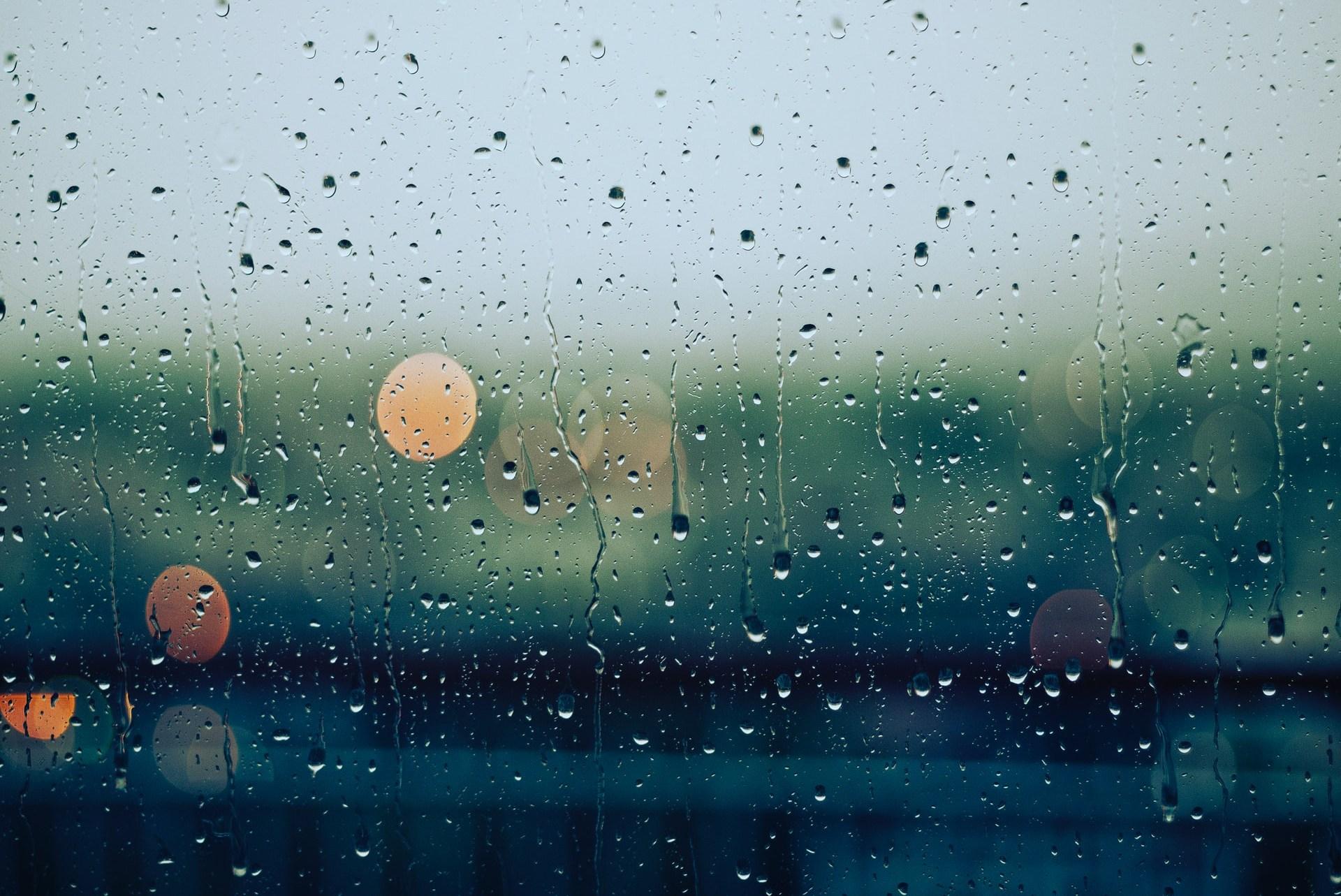 50 Kata Kata Saat Hujan Turun Lucu Romantis Islami Bahasa Inggris Mamikos Info